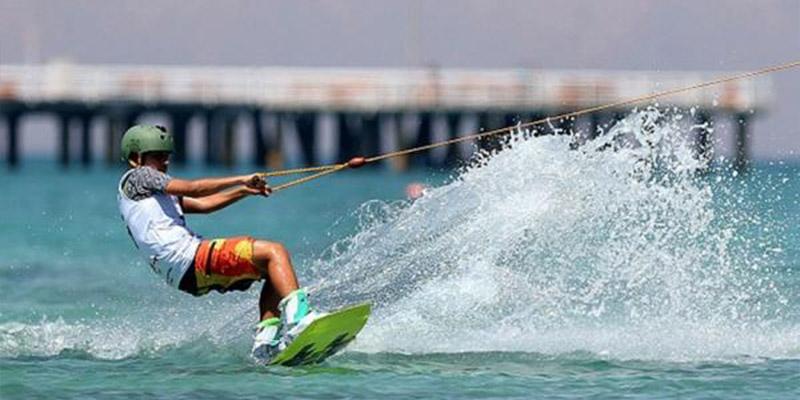 اسکی روی آب- تفریحات دریایی و آبی رامسر