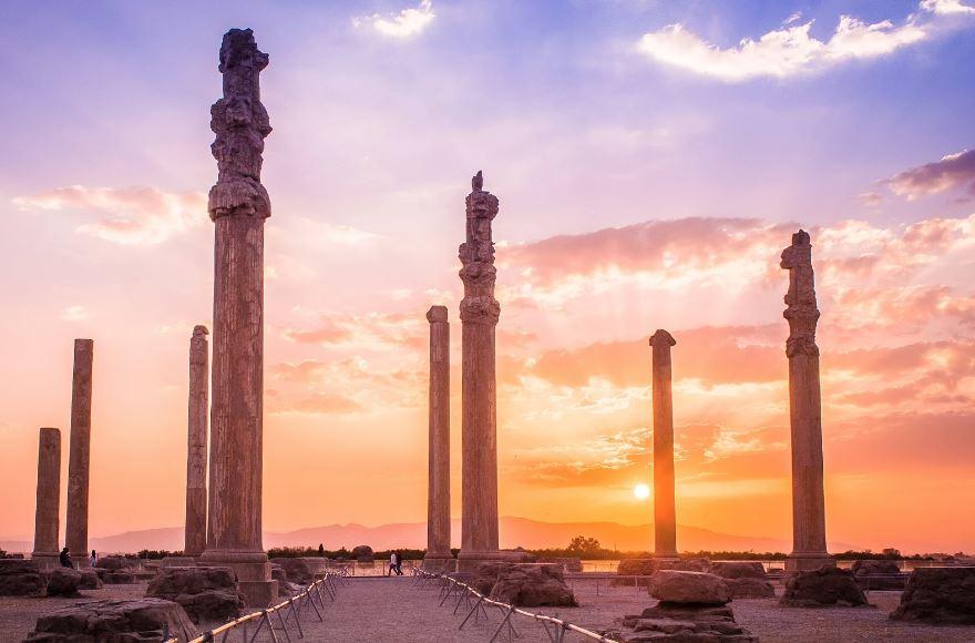 تخت جمشید جاهای دیدنی طبیعت اطراف شیراز