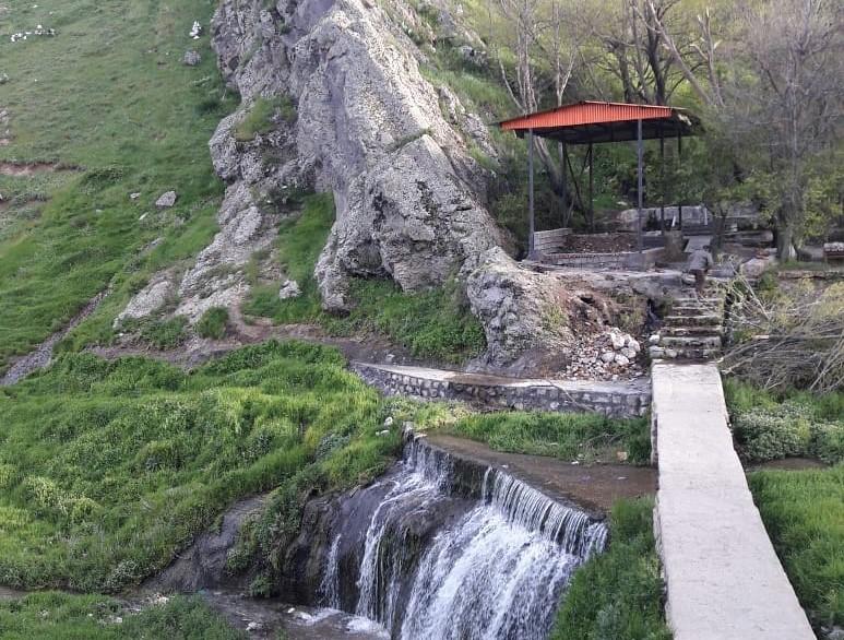روستای ویلا دره دیدنی روستاهای سرعین