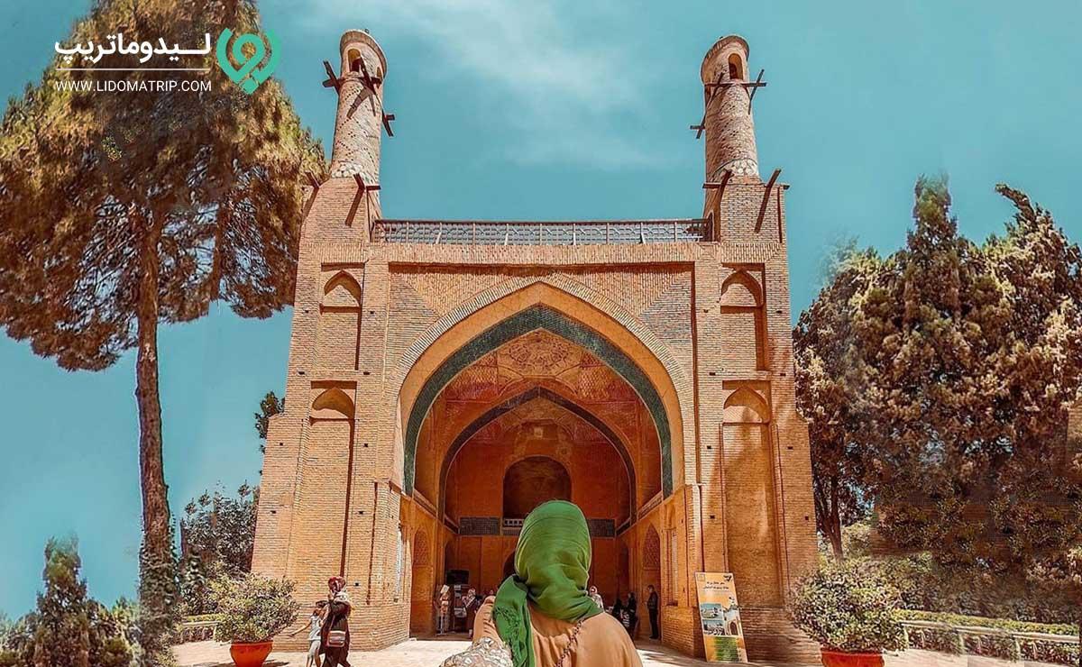 منارجنبان اصفهان کجاست