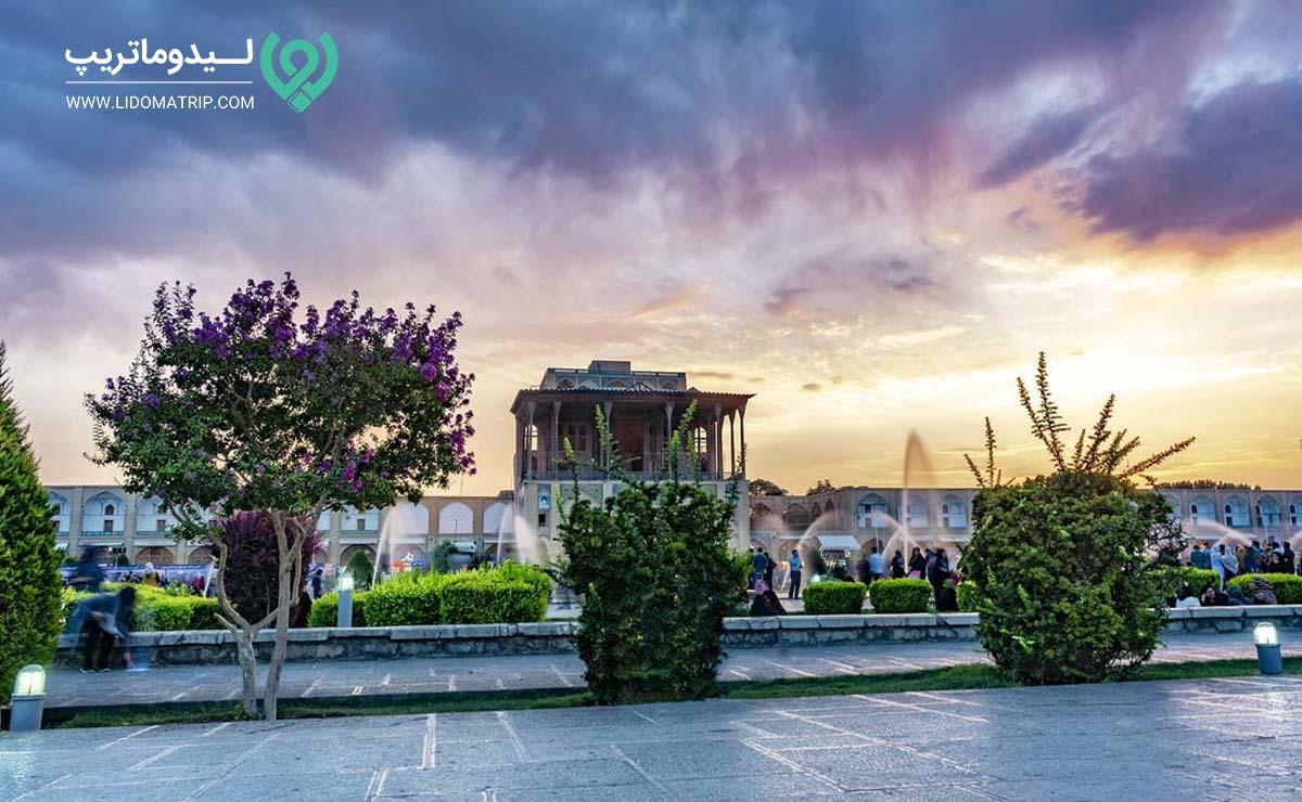 کاخ عالی قاپو اصفهان کجاست